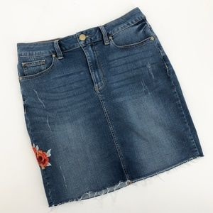 SEVEN7 Embroidered Rose Stretch Denim Pencil Skirt